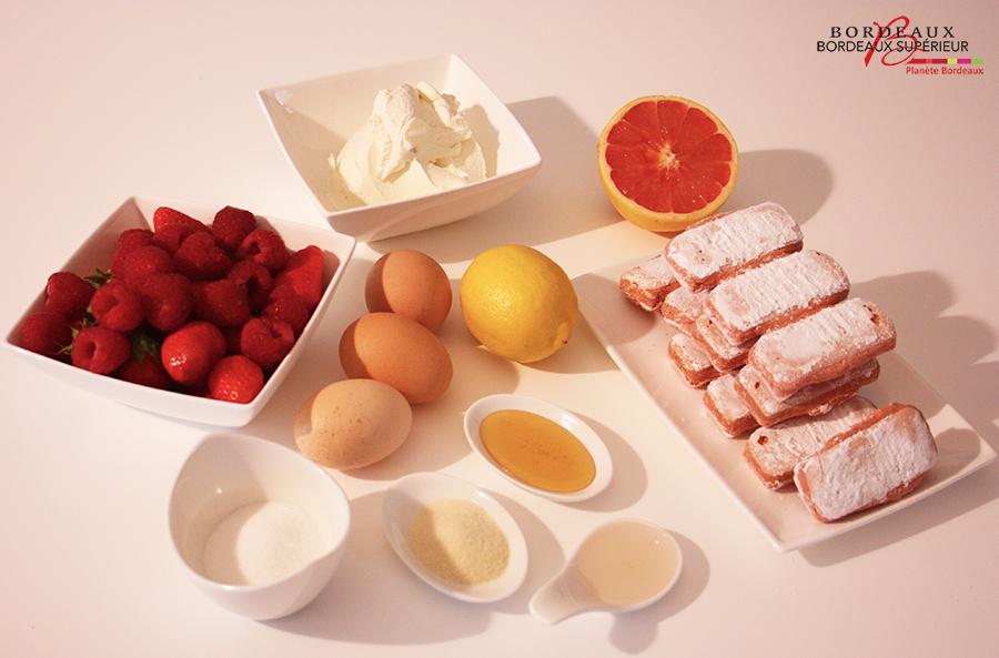 Tiramisu rose aux fruits rouges