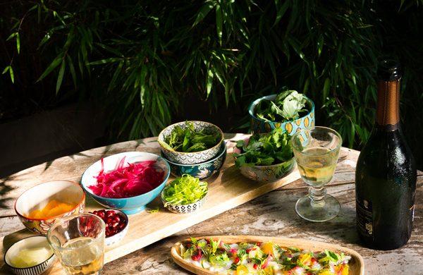 Ceviche de bar, grenade, citron vert et vinaigrette d'herbes