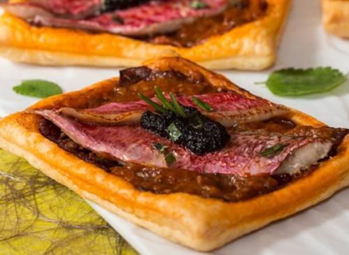 Feuilletés de rouget  au confit d'Aubergines et Bordeaux Rosé